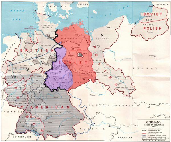 İşgal altındaki Almanya. Mor kısım Batılı Müttefikler'in Temmuz 1945'te çekildiği Sovyet bölgesidir.